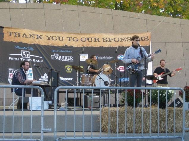 daniel martin moore and his band